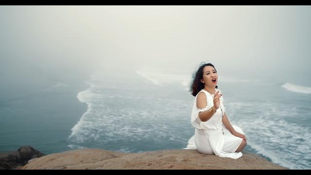 Bất ngờ với giọng hát trẻ trung ở tuổi 50 của nghệ sĩ Hoàng Hiền - 2