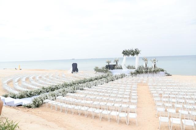 Không gian tiệc cưới bên bờ biển của Đông Nhi - Ông Cao Thắng - 5