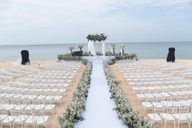 Không gian tiệc cưới bên bờ biển của Đông Nhi - Ông Cao Thắng - 2