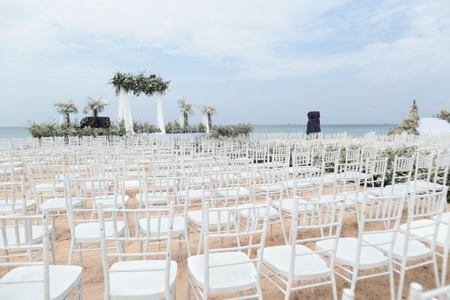 Không gian tiệc cưới bên bờ biển của Đông Nhi - Ông Cao Thắng - 4