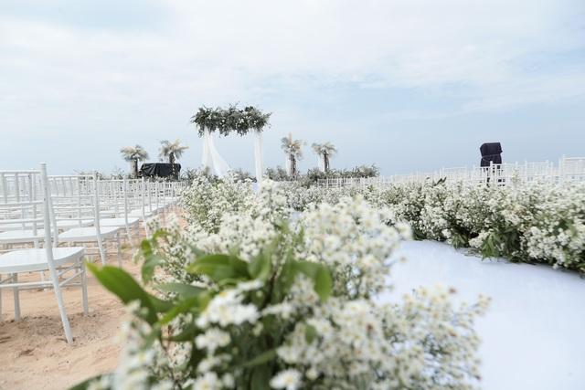 Không gian tiệc cưới bên bờ biển của Đông Nhi - Ông Cao Thắng - 6