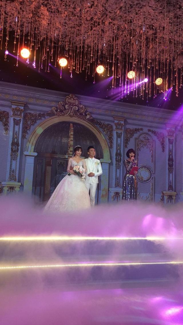 Những quy định đặc biệt trong đám cưới của sao Việt - 10