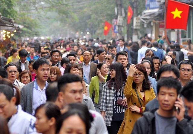 2017, dân số Hà Nội đã vượt mức dự báo cho... 2030 - 1