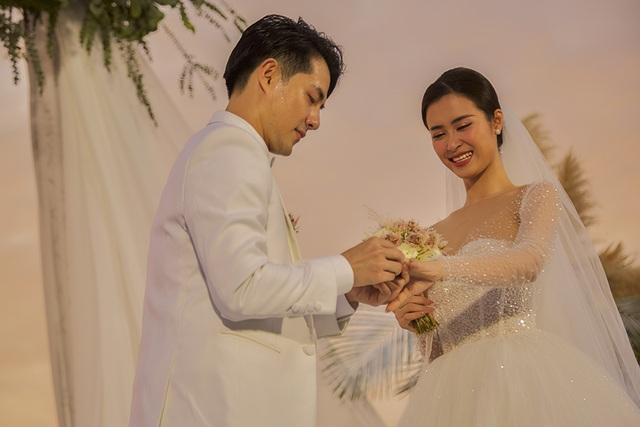 Ông Cao Thắng khóc cảm ơn Đông Nhi trong đám cưới đẹp như mơ - 8