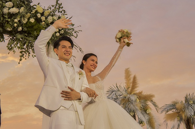 Ông Cao Thắng khóc cảm ơn Đông Nhi trong đám cưới đẹp như mơ - 14
