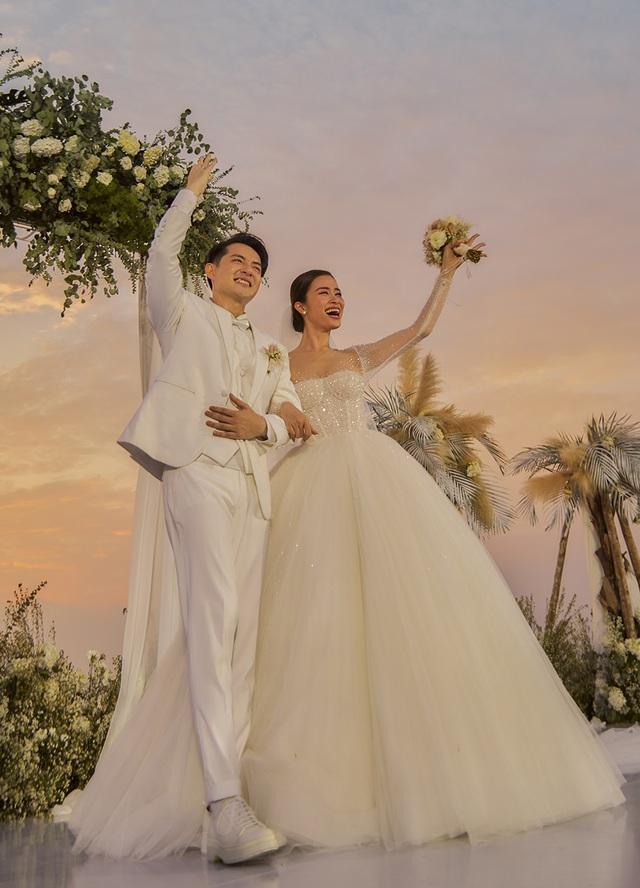 Ông Cao Thắng khóc cảm ơn Đông Nhi trong đám cưới đẹp như mơ - 13