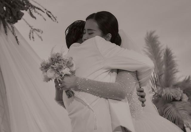 Ông Cao Thắng khóc cảm ơn Đông Nhi trong đám cưới đẹp như mơ - 10