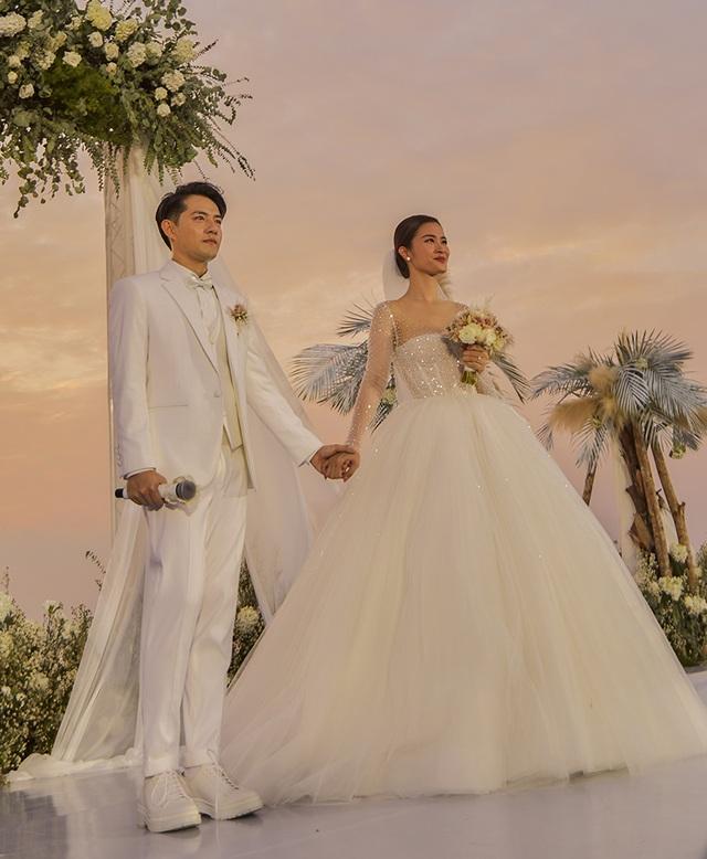 Ông Cao Thắng khóc cảm ơn Đông Nhi trong đám cưới đẹp như mơ - 6