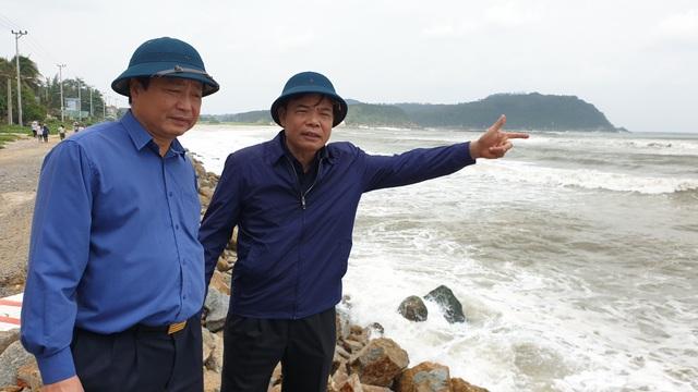 Bộ trưởng Nông nghiệp kiểm tra công tác phòng chống bão số 6 - 3