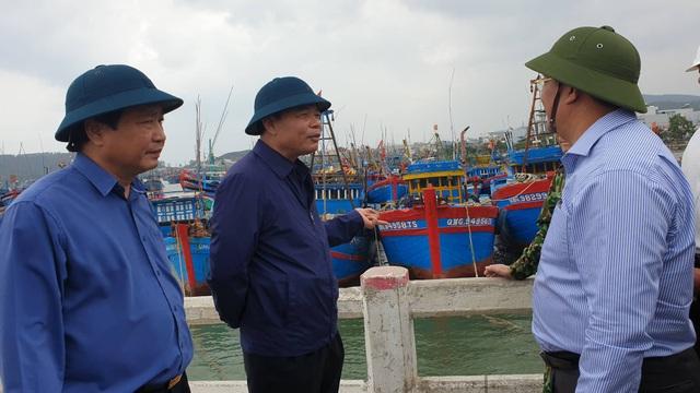 Bộ trưởng Nông nghiệp kiểm tra công tác phòng chống bão số 6 - 1