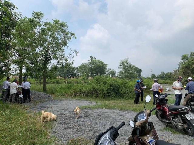 Cả đoàn người kéo nhau lên huyện khóc ròng vì mua đất 17 năm không được nhận - 2