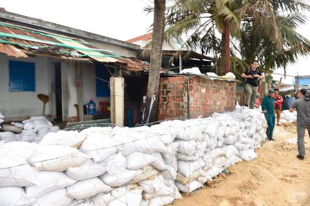 Sơ tán dân khi bão số 6 đổ bộ để đảm bảo an toàn tính mạng người dân - 3