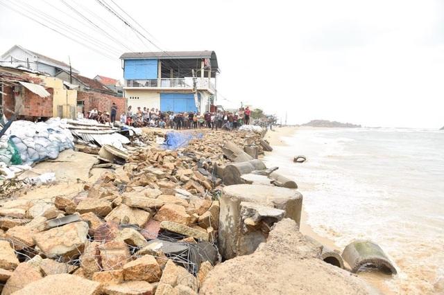 Sơ tán dân khi bão số 6 đổ bộ để đảm bảo an toàn tính mạng người dân - 2