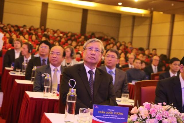 Kỷ niệm 40 năm thành lập, ĐH Luật Hà Nội nhận Huân chương Lao động hạng Nhất - 1