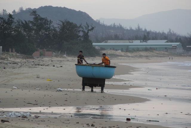 Phú Yên di dời hơn 30.000 dân trước bão số 6 - 6
