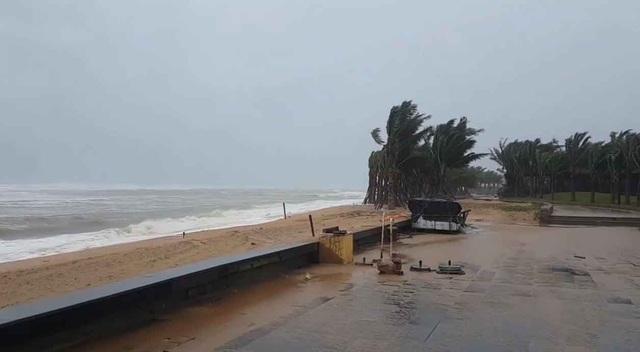 Bão số 6 đã ảnh hưởng đến đất liền các tỉnh Nam Trung Bộ - 2