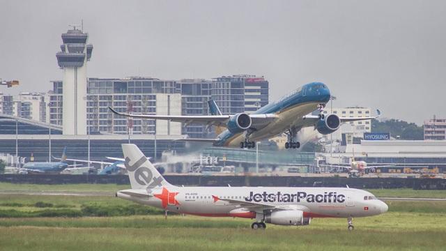 Đóng cửa 3 sân bay, hàng không hủy chuyến hàng loạt vì bão số 6 - 2