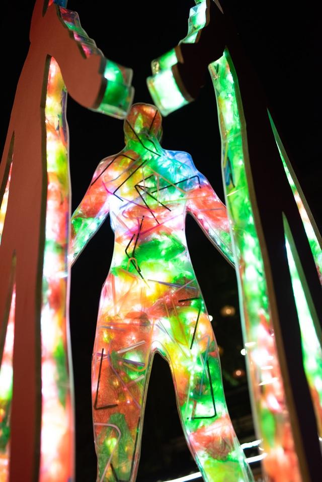 """Sửng sốt những tác phẩm nghệ thuật làm từ """"rác thải"""" ở Hà Nội - 5"""