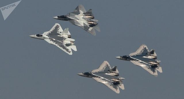 """Nga công bố video lắp ráp """"bóng ma bầu trời"""" Su-57 - 1"""