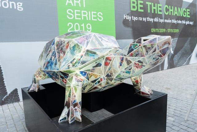 """Sửng sốt những tác phẩm nghệ thuật làm từ """"rác thải"""" ở Hà Nội - 2"""