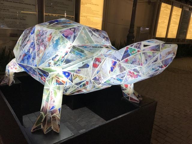 """Sửng sốt những tác phẩm nghệ thuật làm từ """"rác thải"""" ở Hà Nội - 8"""