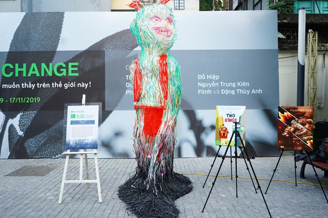 """Sửng sốt những tác phẩm nghệ thuật làm từ """"rác thải"""" ở Hà Nội - 1"""