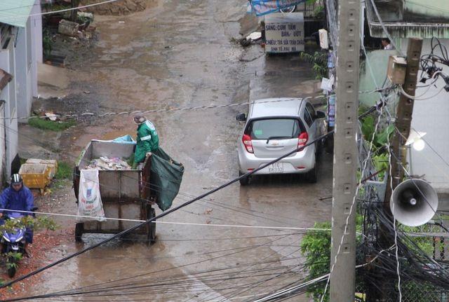 TPHCM đau đầu vì việc vận chuyển 9.000 tấn rác mỗi ngày - 2