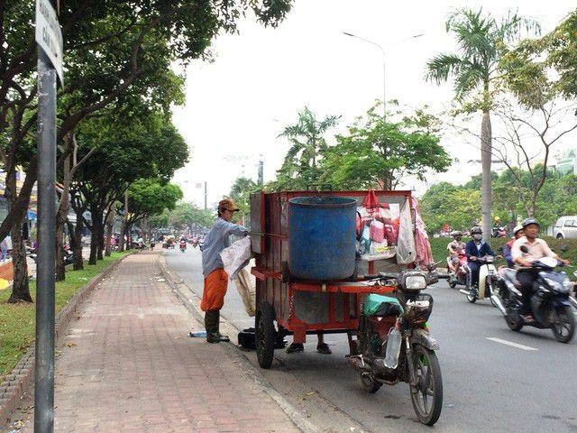 TPHCM đau đầu vì việc vận chuyển 9.000 tấn rác mỗi ngày - 4