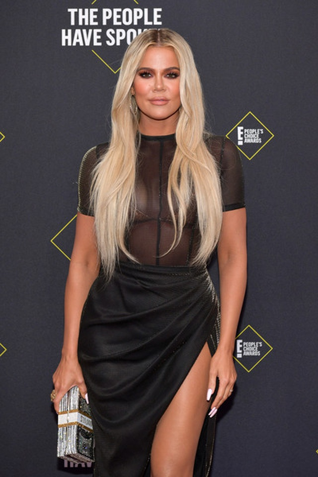 Kim Kardashian và các chị em mặc hở bạo - 5
