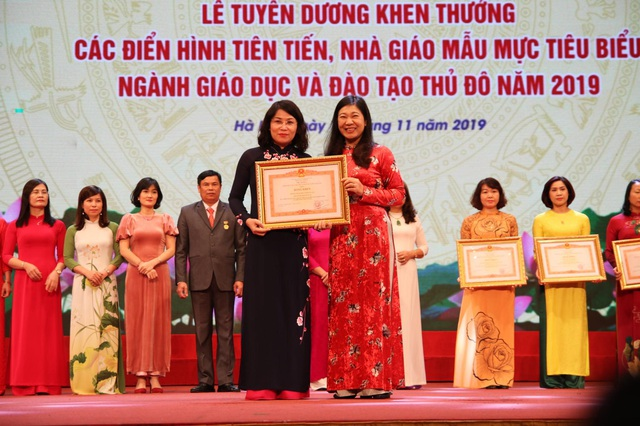 Hà Nội: Tôn vinh 125 nhà giáo tiêu biểu - 3