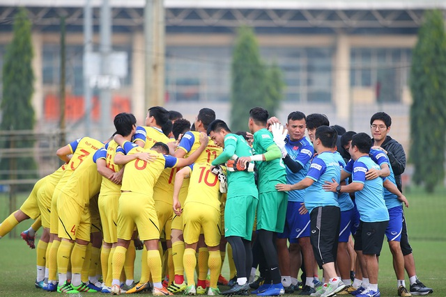 Công Phượng và Văn Hậu hứng khởi trong ngày trình diện HLV Park Hang Seo - 6