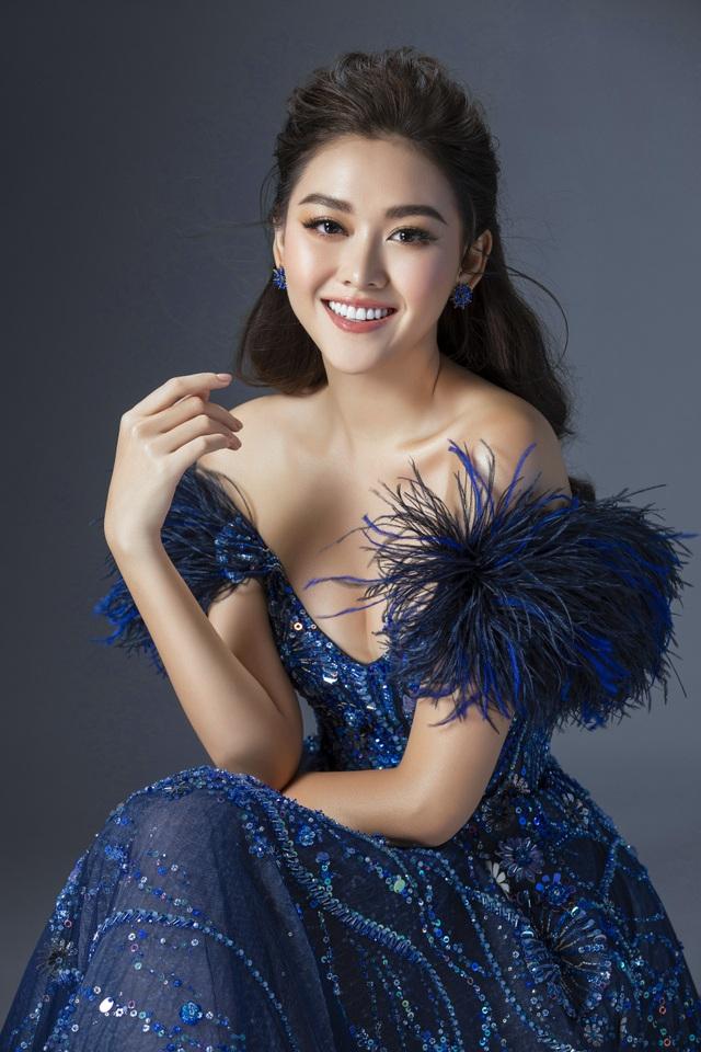 Tường San hé lộ váy dạ hội gợi cảm trước thềm chung kết Hoa hậu Quốc tế - 5