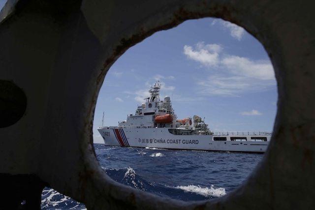 Mỹ tăng tốc đối phó chiến thuật tàu thân trắng của Trung Quốc tại Biển Đông - 2