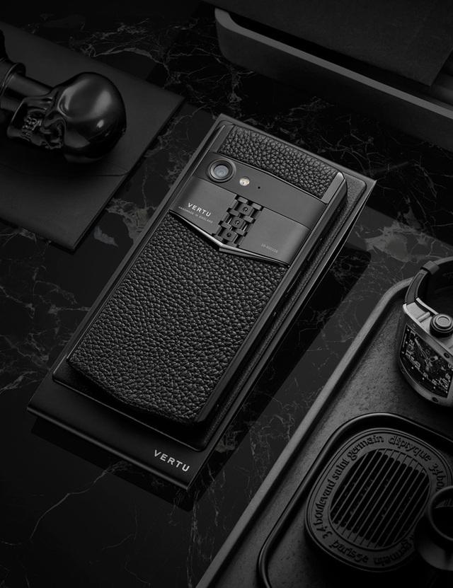 Điện thoại thông minh Aster P – Sự trở lại của thương hiệu Vertu - 2