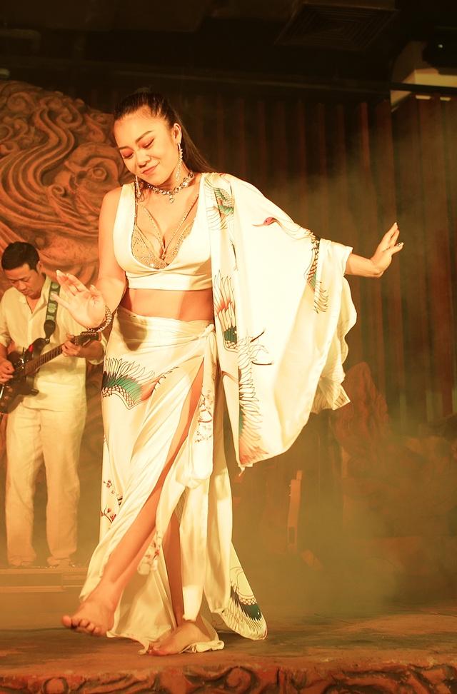 Độc đáo vũ khúc bellydance kết hợp âm nhạc cung đình giữa lòng Thủ đô - 10