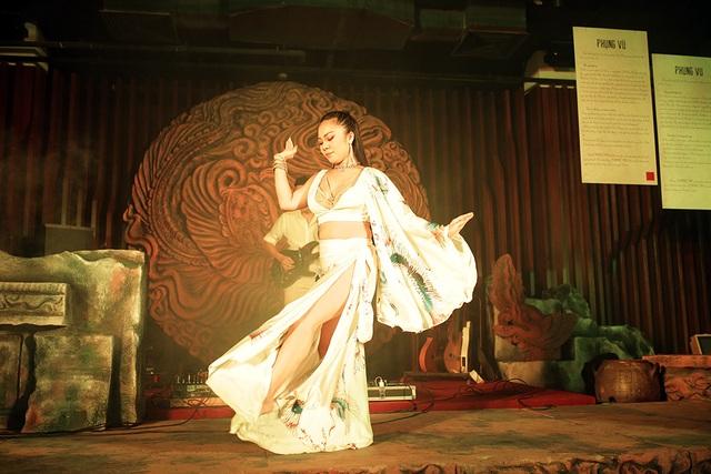 Độc đáo vũ khúc bellydance kết hợp âm nhạc cung đình giữa lòng Thủ đô - 11