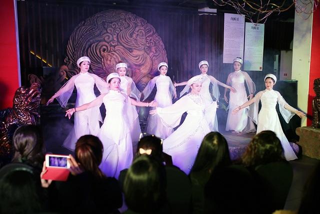 Độc đáo vũ khúc bellydance kết hợp âm nhạc cung đình giữa lòng Thủ đô - 4