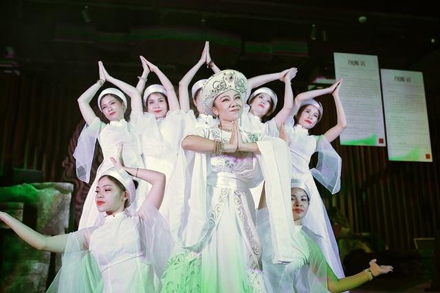 Độc đáo vũ khúc bellydance kết hợp âm nhạc cung đình giữa lòng Thủ đô - 8