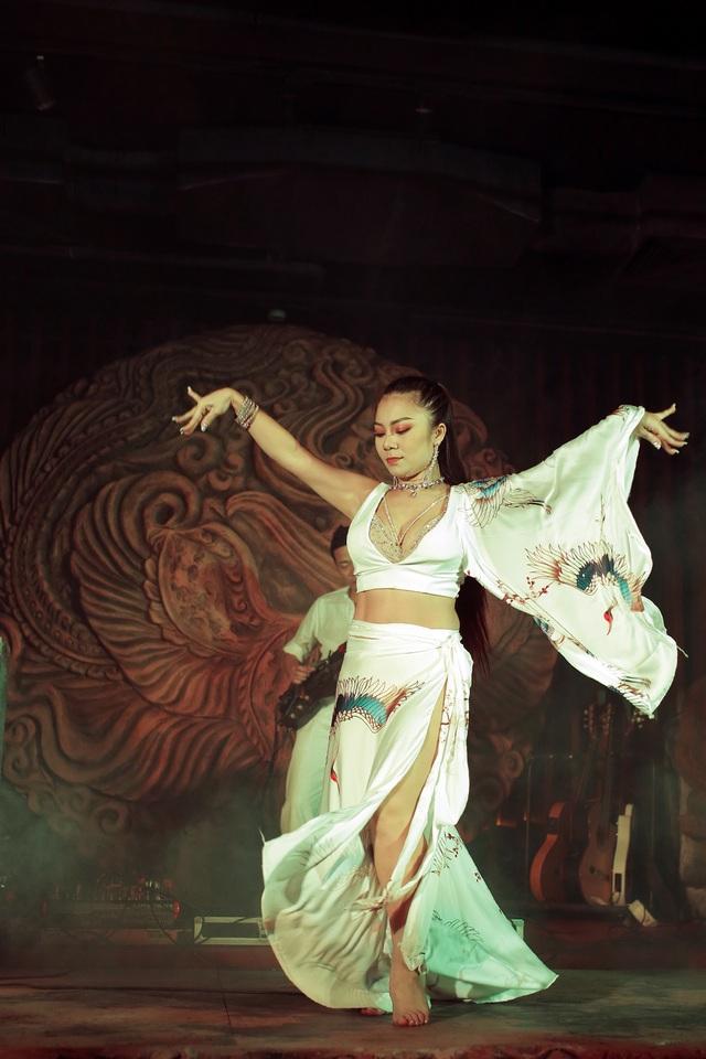 Độc đáo vũ khúc bellydance kết hợp âm nhạc cung đình giữa lòng Thủ đô - 9