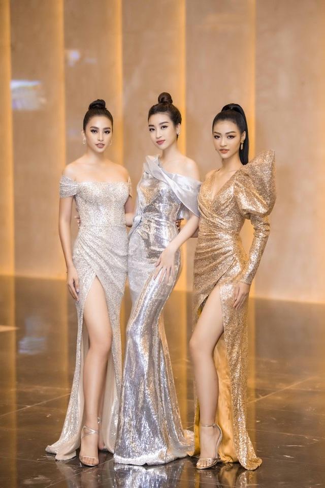 Đông Nhi thay ba bộ váy trong đám cưới - 8