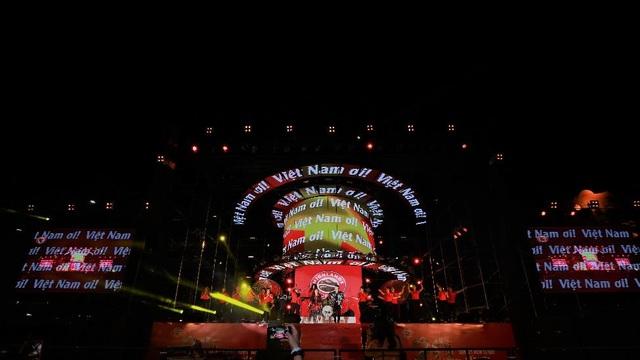 """Highlands Coffee và """"niềm tự hào đất Việt"""" bùng nổ cùng hơn 6.000 fan Đà Nẵng - 9"""