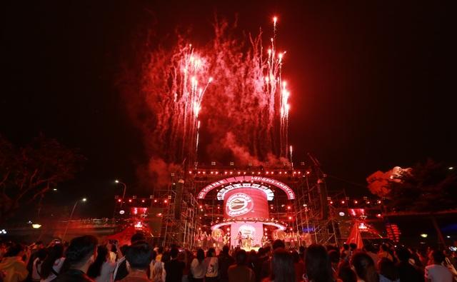 """Highlands Coffee và """"niềm tự hào đất Việt"""" bùng nổ cùng hơn 6.000 fan Đà Nẵng - 10"""