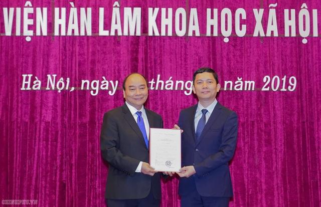 Thủ tướng bổ nhiệm Chủ tịch Viện Hàn lâm khoa học xã hội - 1