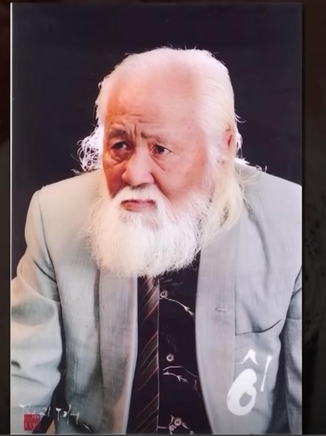 """Quyền Linh bật khóc nhớ tới cách dạy """"sống chết""""của cố nhạc sĩ Bắc Sơn - 1"""