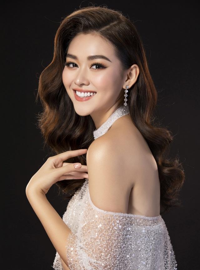 Tường San hé lộ váy dạ hội gợi cảm trước thềm chung kết Hoa hậu Quốc tế - 7