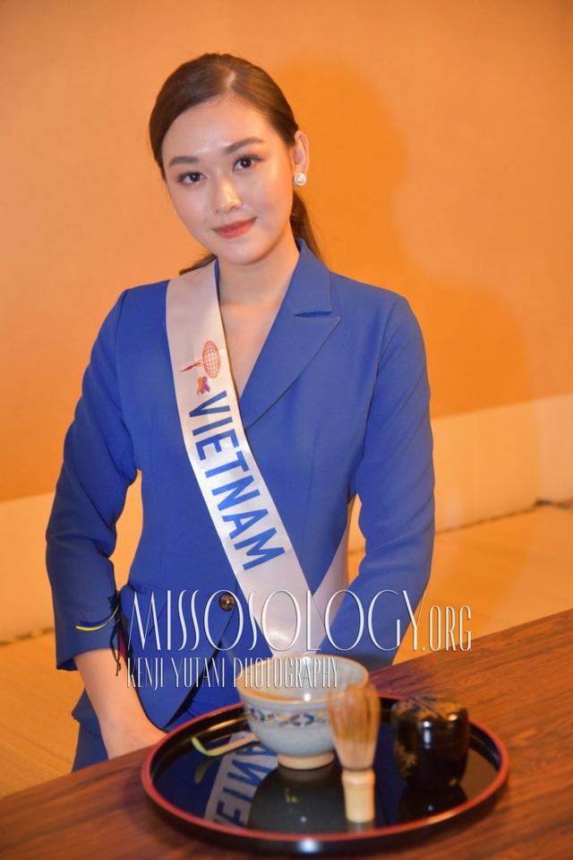 Tường San hé lộ váy dạ hội gợi cảm trước thềm chung kết Hoa hậu Quốc tế - 3