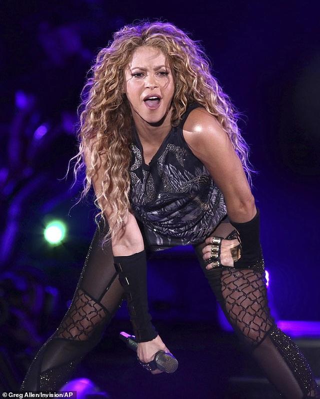 Shakira từng tuyệt vọng vì tưởng sẽ mất giọng hát - 1