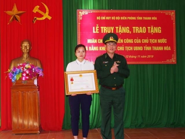 Truy tặng huân chương chiến công cho sĩ quan biên phòng hi sinh khi truy bắt tội phạm - 1