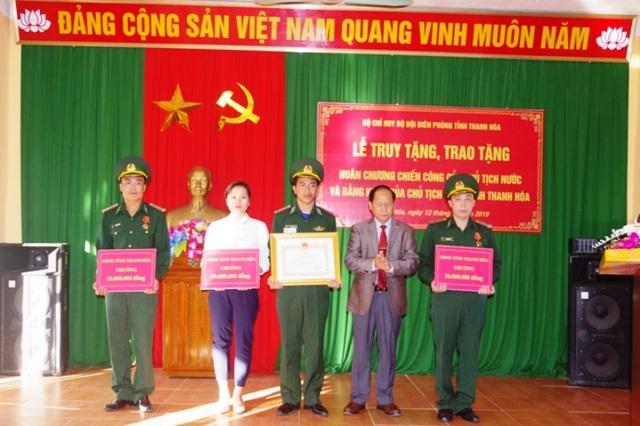 Truy tặng huân chương chiến công cho sĩ quan biên phòng hi sinh khi truy bắt tội phạm - 3