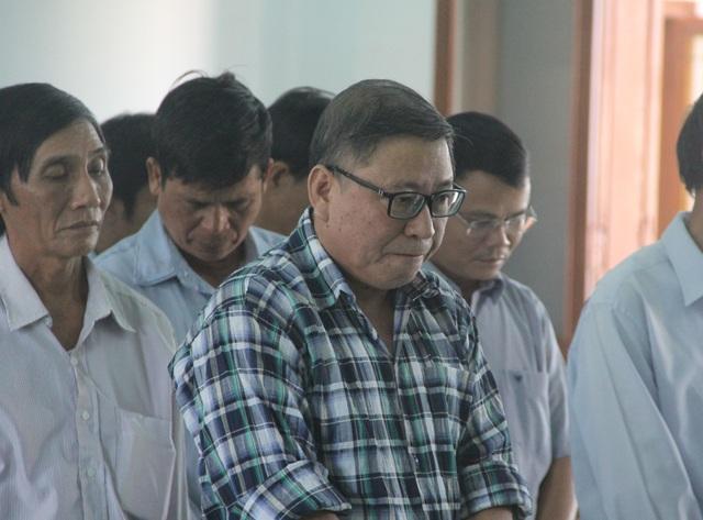 Gây thất thoát gần 9,3 tỷ đồng, nguyên chủ tịch UBND huyện lãnh 12 năm tù - 2